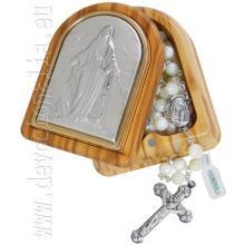 Drevená krabica s perleťovým ružencom